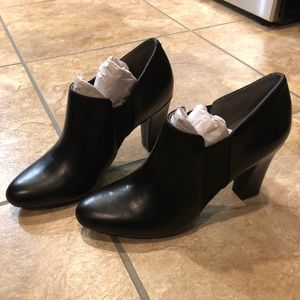 Aerosoles Phone Tag Booties